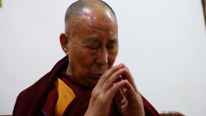170210013422-dalai-lama-meditating-exlarge-169