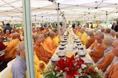 Cung Duong Trai Tang & Le Chinh Thuc Dai Le Phat Dan PL 2561 059