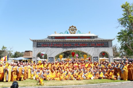 Cung Duong Trai Tang & Le Chinh Thuc Dai Le Phat Dan PL 2561 134