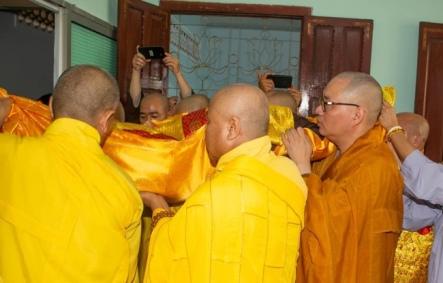 nguoiphattu_com_phat_tang_co_dai_lao_hoa_thuong_thich_quang_do1